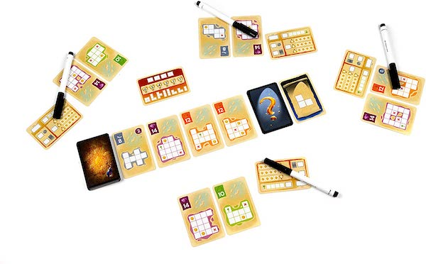 Silver and gold game layout and parts